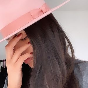 Lack of color THE STARDUST hat